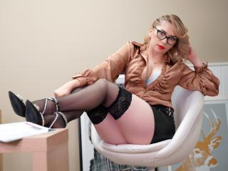 xLoveCam AnnaAmour SexCams