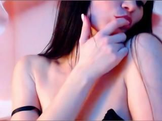 Voir le liveshow de  KisUlyaanna de Xlovecam - 29 ans - My name is Anna) I am very sensual naughty girl. I like to play tits, pussy.