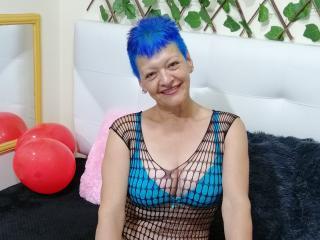 free xLoveCam LoquitaQueen porn cams live