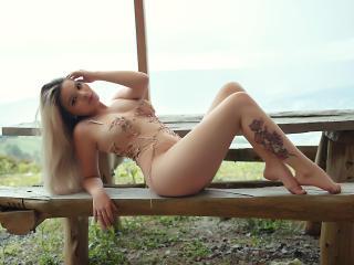 CortneyMacy nude on cam
