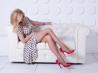 HotTitsSquirtPussy nude on cam