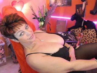 Bettina Live