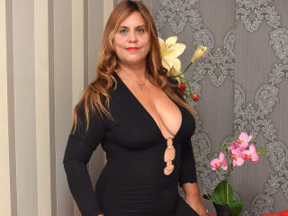 Voir le liveshow de  OliviaLewis de Xlovecam - 40 ans - I am sexy , hot , big boobs, blonde hair, chessy,  i like to initiate sex during talk, i love  ...