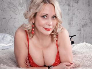 HelenaMiles nude on cam