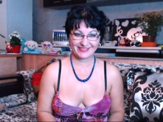 Voir le liveshow de  AnnuskaBest de Xlovecam - 47 ans - I'm gonna make You feel on the top of the world , let the party begin. You are invited to join ...