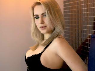 xLoveCam KRISSIYOUNG PornLive WebCam
