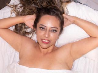 Scarletth Cam