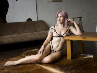 ElizabethGibson Cam