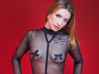 ParisBailey nude on cam