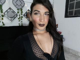 free xLoveCam NaughtyMarianaTs porn cams live
