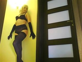 Voir le liveshow de  Analia de Xlovecam - 45 ans - Hi, I'm Analia, the stylish classy & hussy lady. I promise you a private show very special just for ...