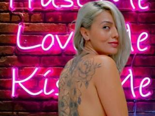 free xLoveCam Tayla porn cams live