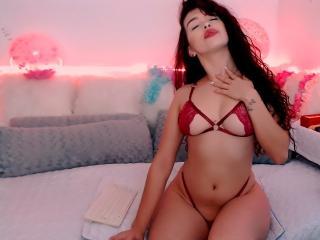 free xLoveCam AnnieFontaineX porn cams live