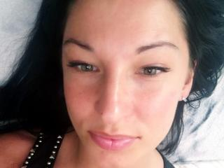 Voir le liveshow de  AishaSensual de Xlovecam - 27 ans - I love polite and positive people who know how to have fun . I love men who know what they wa ...