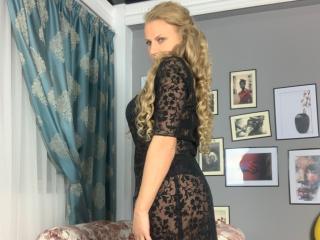 AdrianaHotty Live