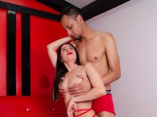 xLoveCam CristalAndAron SexCams