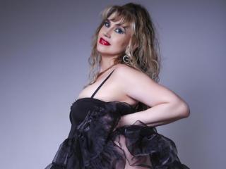 xLoveCam LadyMariahX sex cams porn xxx