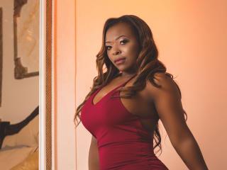 NaomiBlacke Cam