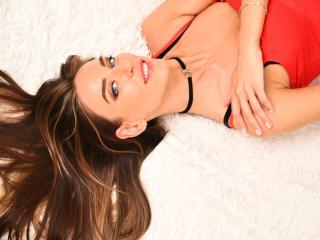 BiancaValentine nude on cam