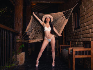 IsabellaMoone Show