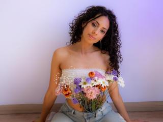 MoniqueCurlz Cam