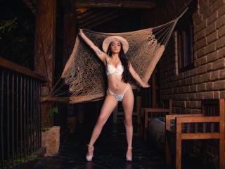 IsabellaMoone Cam