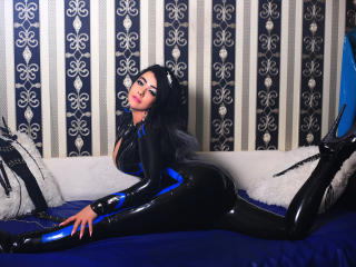 SensualSwitchForYou nude on cam