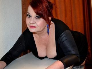 free xLoveCam LucilleForYou porn cams live