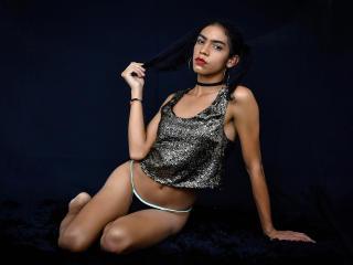 free xLoveCam AlahiaRodriguez porn cams live
