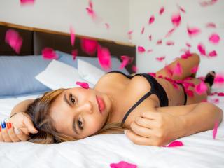 xLoveCam MeganParzon sakuralive cams