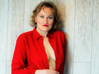 Voir le liveshow de  ChatOliv de Xlovecam - 30 ans - One on One time, is very important to me. Being alone with you is where we can be naughty togethe ...