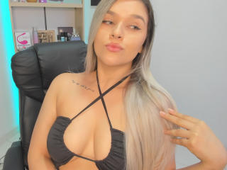 ValerieStone Live