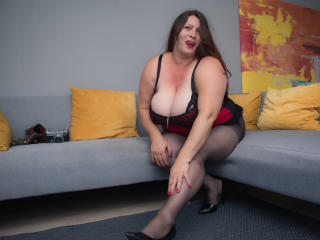 SoniaCochone nude on cam