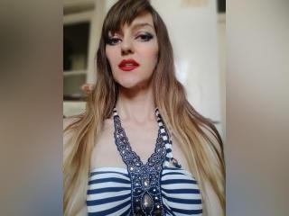 BarbierQueen nude on cam