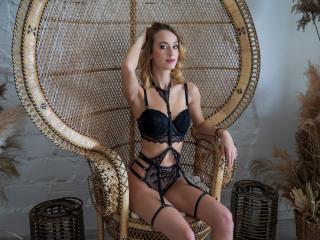 MIaBeeX sexy cam girl