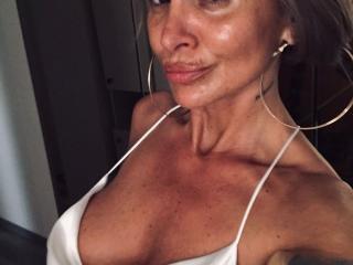Webcam model BrilliantOne profile picture