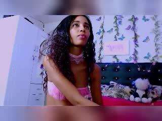 IanaBella sexy cam girl