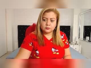 DanielaRobles Stream