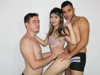 free xLoveCam AmazinGrupHrdX porn cams live