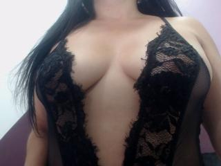 DominantMistress nude on cam