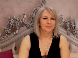 Voir le liveshow de  EricaXKiss de Xlovecam - 39 ans - Step into my room and I will take you to my fabulous world of passion. A place where we take ea ...
