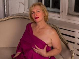 HotGiantPleasure nude on cam