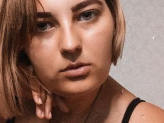 AdelaHotty Cam
