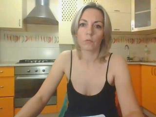VickiSecret Live