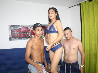 free xLoveCam ValeAnTwBoyx porn cams live