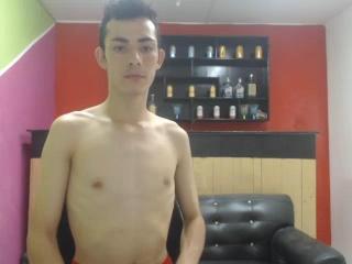 free xLoveCam LunaticBoy porn cams live