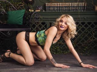VivienneBlondy Cam